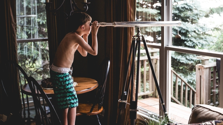 Boy w telescope